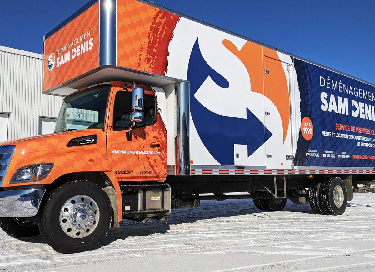 Notre flotte de camions Déménagement Sam Denis - Chef de file dans l'industrie du déménagement dans la région de l'Estrie