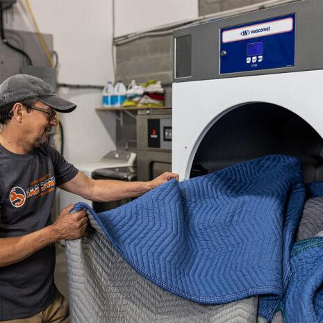 Nettoyage et désinfection des fournitures - Déménagement Sam Denis - Chef de file dans l'industrie du déménagement dans la région de l'Estrie