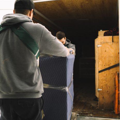 Flotte de camion de Déménagement Sam Denis - Chef de file dans l'industrie du déménagement dans la région de l'Estrie